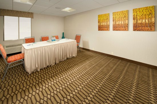 Holiday Inn Express Waldorf: Meeting Room