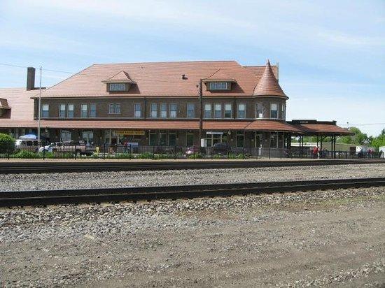 Durand Union Station - Michigan Railroad History Museum: Trackside view