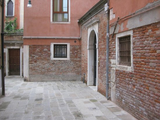 Ca' della Corte: The hotel is the last door on the right. Knock twice and ask for Brian.