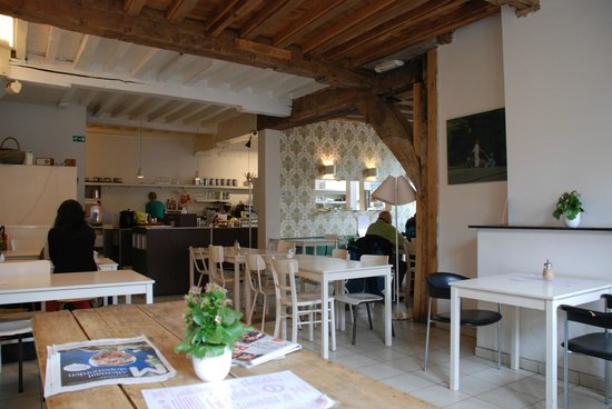 Barista Coffee and Cake : interni del bar