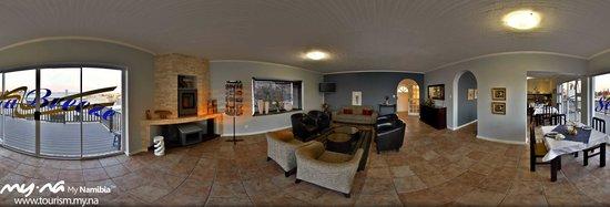 Sea Breeze Guesthouse: Lounge panoramic
