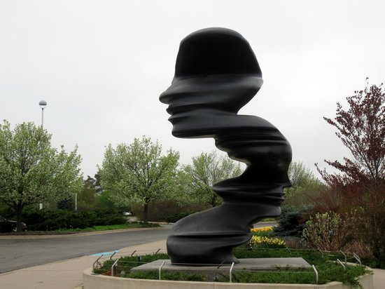 The Parrot Picture Of Frederik Meijer Gardens Sculpture Park Grand Rapids Tripadvisor