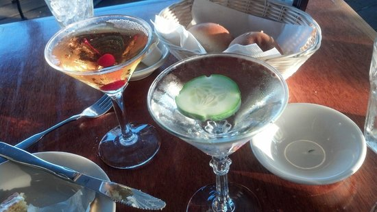 Arundel Wharf Restaurant: VO Manhattan and HENDRICK'S with Cucumber