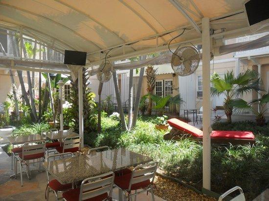 Sadigo Court Hotel: giardino