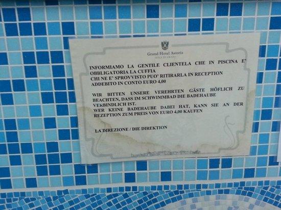 Badehaube um 4 euro picture of grand hotel astoria for Hotel euro meuble grado