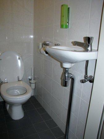 Princess Hotel Epe: Toilet