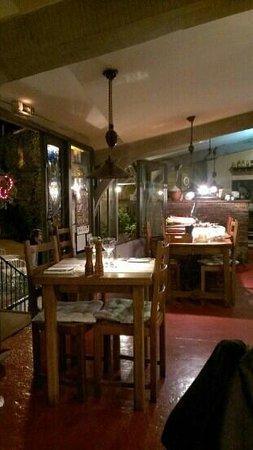 Restaurant La Farigoule By Angel: la salle à dinner