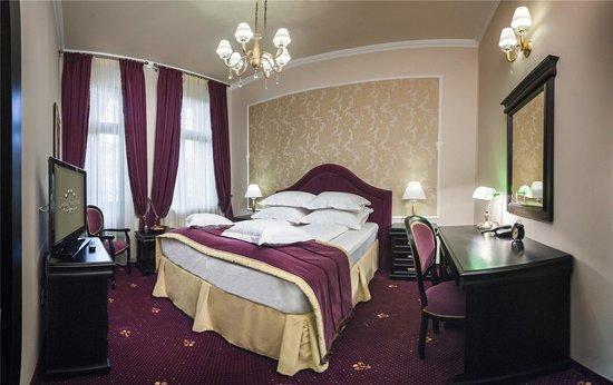 Hotel Central Park: Purple room - private balcony