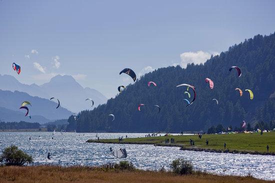 سانت موريتز إنجادين, سويسرا: Kitesurfing on Lake Silvaplana, Engadin St. Moritz