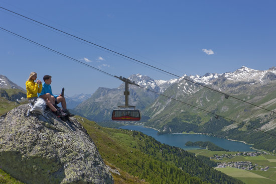 Hikers in the Corvatsch area, Engadin St. Moritz