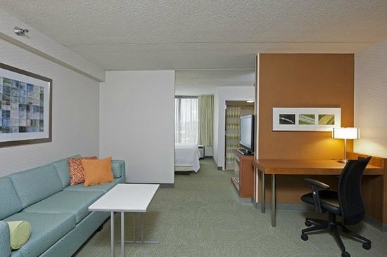 SpringHill Suites Chicago Naperville/Warrenville: King Suite