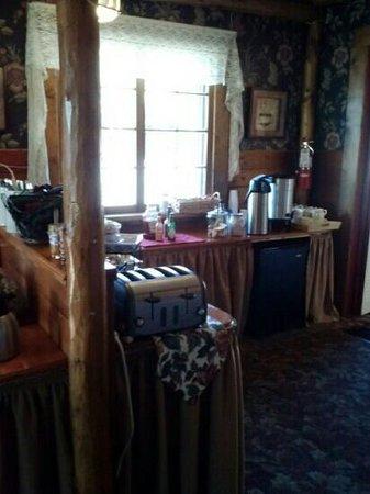 Frisco Lodge: breakfast area
