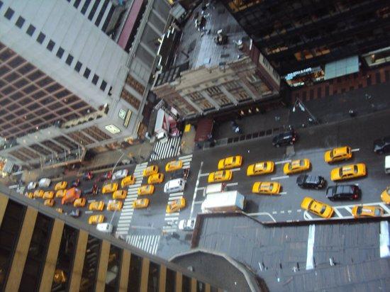 Sheraton New York Times Square Hotel: vue sur l'avenue
