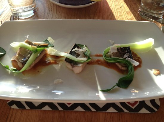 Food - Bedruthan Steps Hotel Restaurant: Cornish Mackerel with pak choi, curry paste and coconut shavings