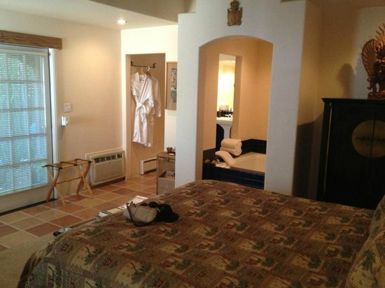 The Cottage Inn & Spa: The East Suite