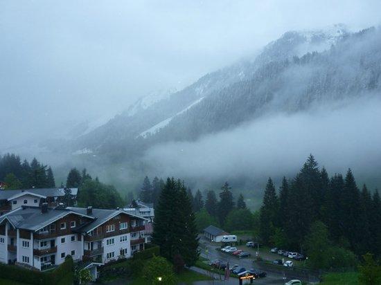 Travel Charme Ifen Hotel: traumhafter Ausblick bei jedem Wetter