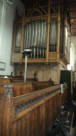 Church of St. Michael le Belfrey: órgão