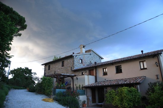 Villa Pian Di Cascina: Dramatic view of the main house during inclement weather.