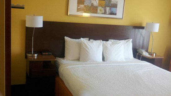 Fairfield Inn & Suites Memphis Southaven: Bed