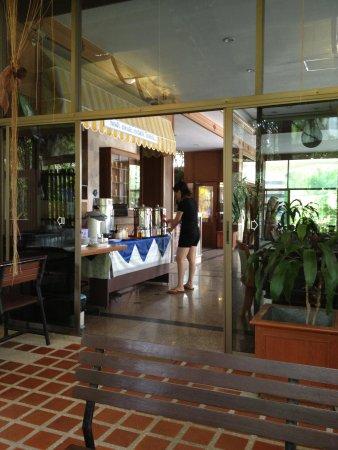 Minitel Hotel: Frühstücksbuffet