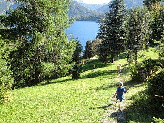 Villa Panil: Vista desde una Cabaña
