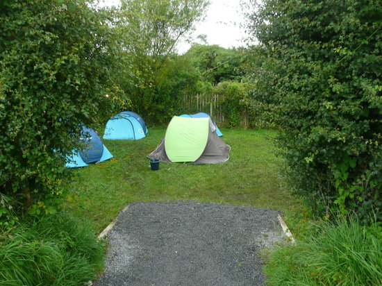 Corofin Hostel and Camping Park: Garden Camping