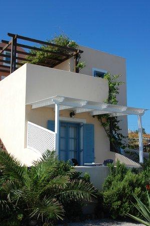 Anemoessa Villa: notre chambre et sa terrasse