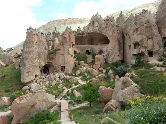 Cappadocia Cave Dwellings : ancient cave dwellings