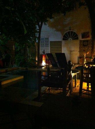 Riad So Cheap So Chic: by night