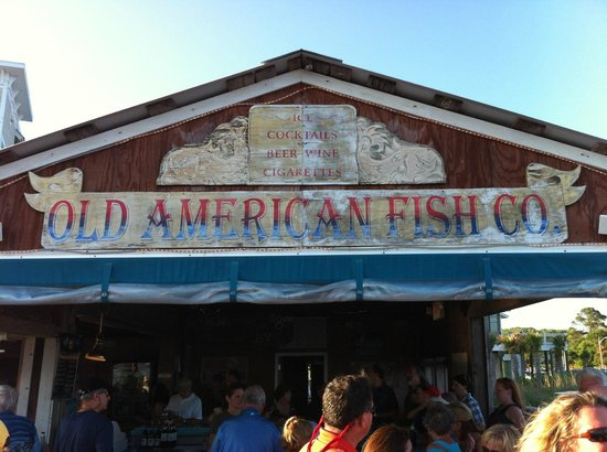 American Fish Company: Friendly locals hang here