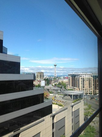 SpringHill Suites Seattle Downtown/South Lake Union: View from our room (10th floor)