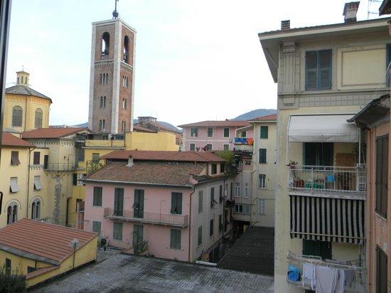 Hotel Genova: mas são duas janelas
