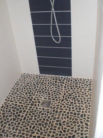 Entre Vignes et Chateaux: douche italienne