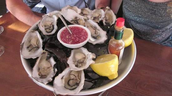 Espresso Seafood Bar and Grill: Oysters, the best I've ever had!