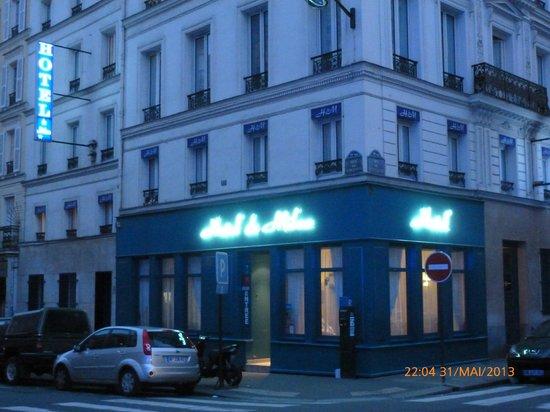 Hotel De Milan: Façade de l'Hôtel de Milan (Nuit)