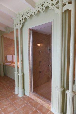 Hotel Le Richelieu: salle de bain
