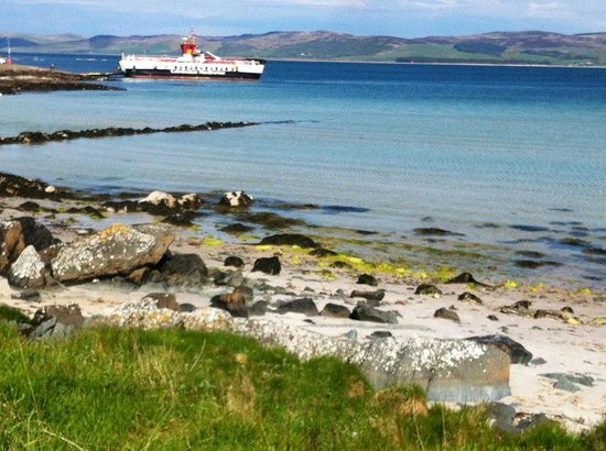 Achamore House: Arriving off the ferry