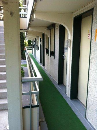 Premiere Classe Avignon Sud - Parc Des Expositions : Accesso alle camere