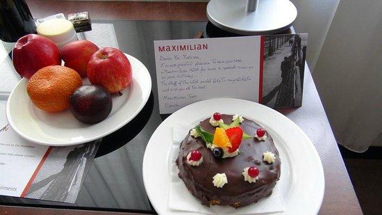 Maximilian Hotel: Happy Birthday