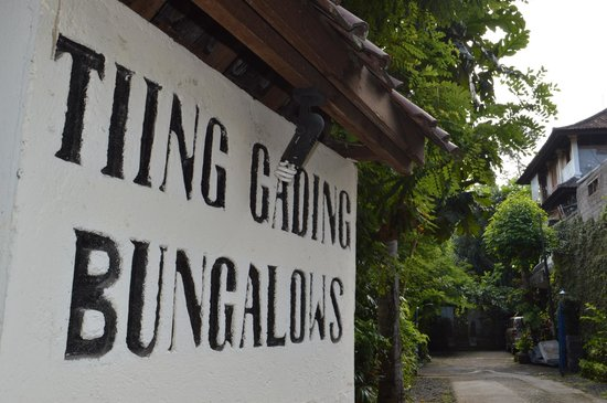 Tiing Gading Bungalows: Outside