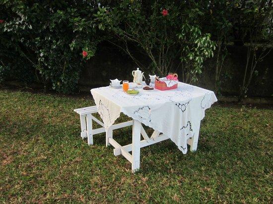 Hotel Gerard et Francine: Tavolo della colazione