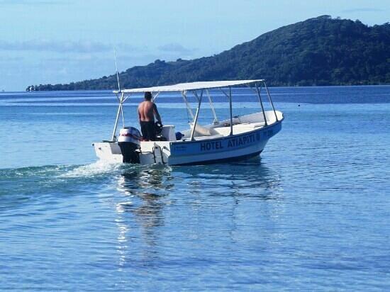 Hotel Atiapiti : En route poyr se rendre à la plage sur le motu à 10 km de l'hôtel