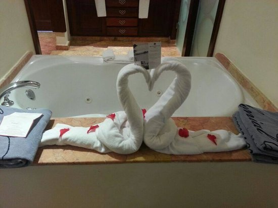 majestic colonial punta cana jacuzzi interior