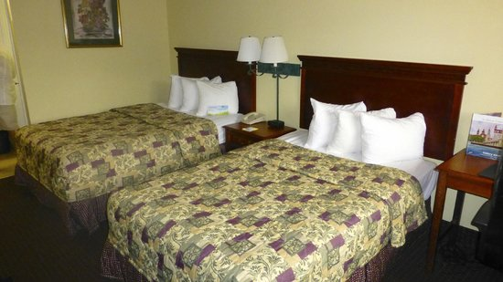 Days Inn St Augustine/Historic Downtown: Motelzimmer mit zwei separaten Betten