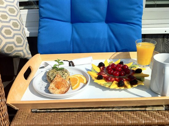 Inn on the Sound: Breakfast tray on balcony