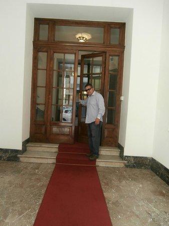 Martina House: entrance