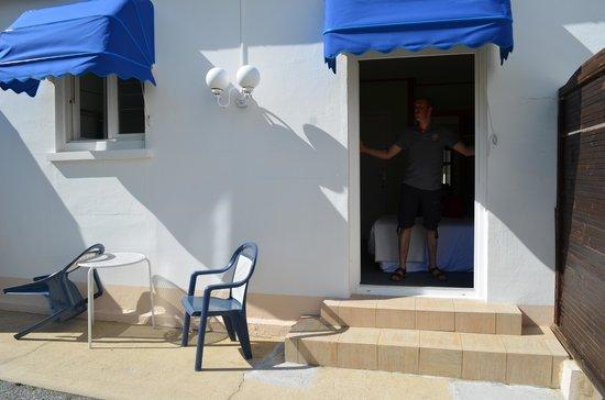 Armoric Hôtel : Petite terrasse privative