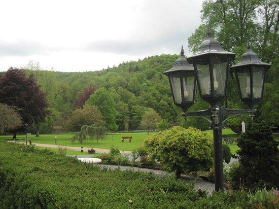 Hostellerie Le Prieure de Conques - Chateaux et Hotels Collection: le parc