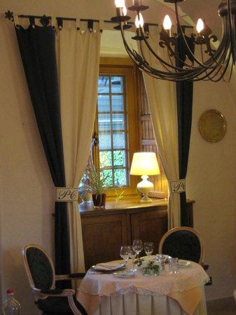 Hostellerie Le Prieure de Conques - Chateaux et Hotels Collection: la salle à manger