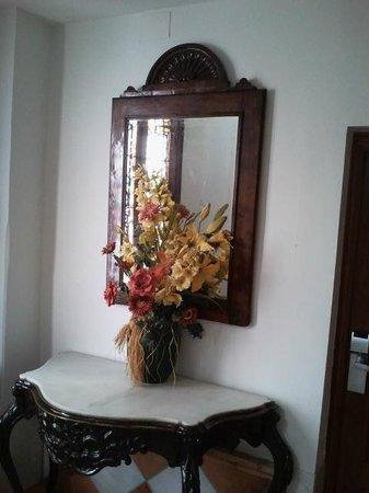 Las Nieves Hotel: Hall
